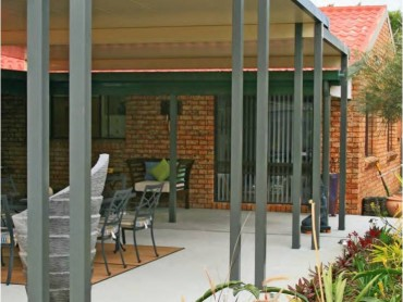 Flat insulated patio roofs to designed to suit you outdoor area